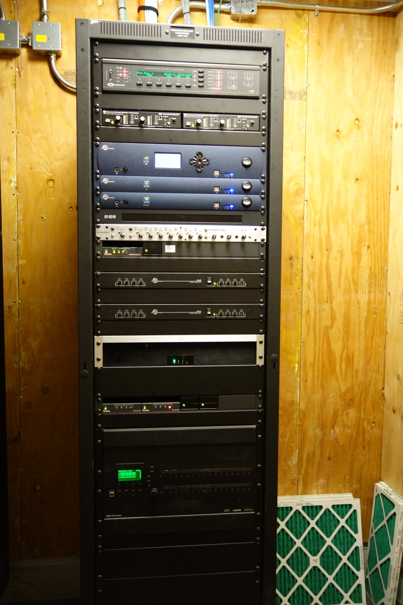 htm rack ra server post network equipment